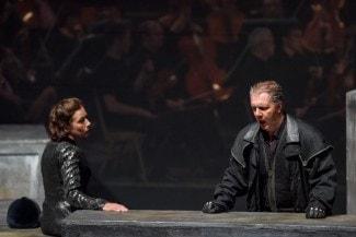Беттина Кампп (Брунгильда) и Владимир Байков (Вотан). Фото - Франц Ноймайер