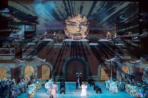 Сцена из оперы «Турандот» в постановке Большого театра Беларуси
