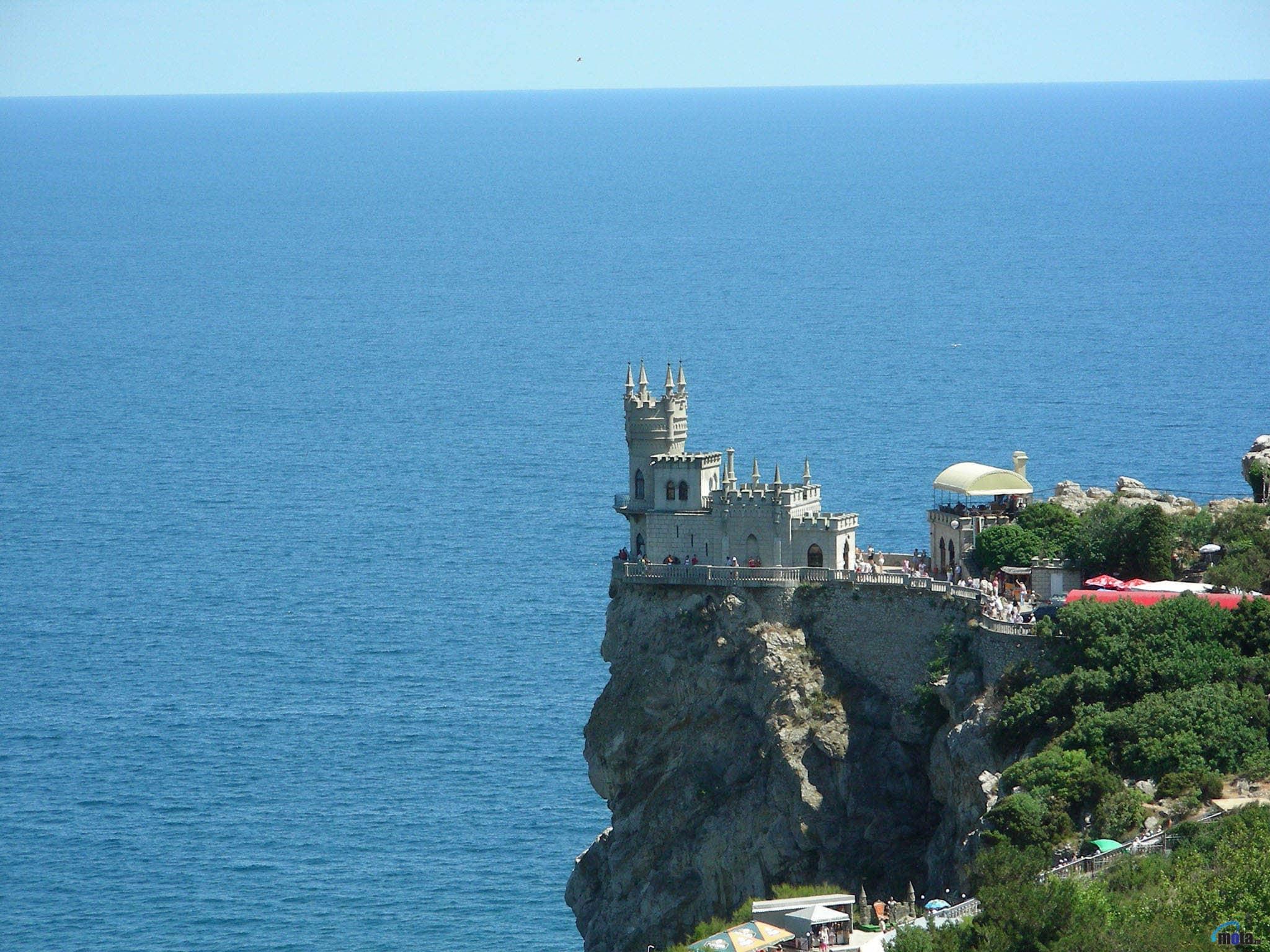 В Крыму проходит гастрольный тур оперных певцов
