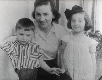 С мамой и братом