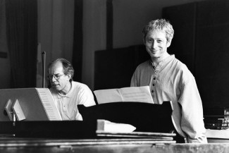 Леонид Десятников с Гидоном Кремером в 1999 году. Фото - Alexandra Kremer-Khomassouridze / Lebrecht Music & Arts / Diomedia