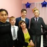 Светлана Дылькова с учениками после концерта