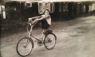 Денис Мацуев на велосипеде. Иркутск, 1986 г.