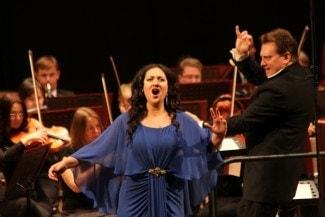Агунда Кулаева спела для рязанцев