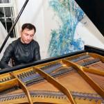 Иркутян приглашают на концерт пианиста Константина Сероватова и скрипачки Людмилы Замащиковой