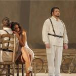 Николай Ерохин в партии Хозе на сцене Большого театра в городе Тяньцзинь. Кармен — Лариса Андреева