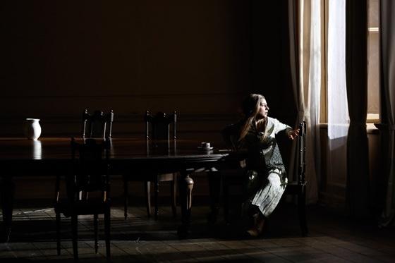 Асмик Григорян в роли Татьяны Лариной. Фото - Дамир Юсупов