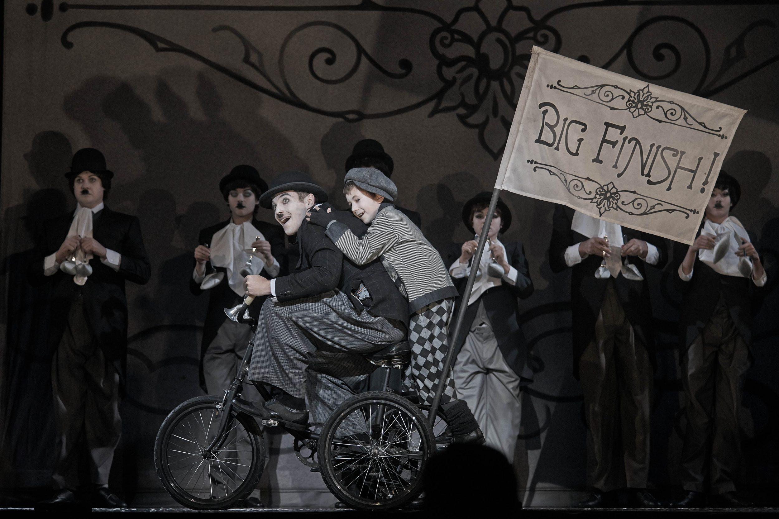 """В Санкт-Петербургском Театре музыкальной комедии состоятся последние показы мюзикла К. Кёртиса """"Чаплин"""""""