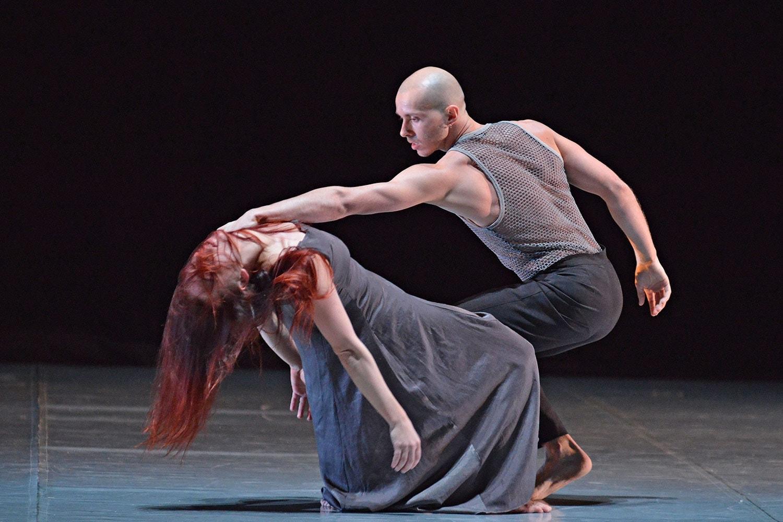 Софья Гайдукова и Павел Глухов в номере «Притяжение»