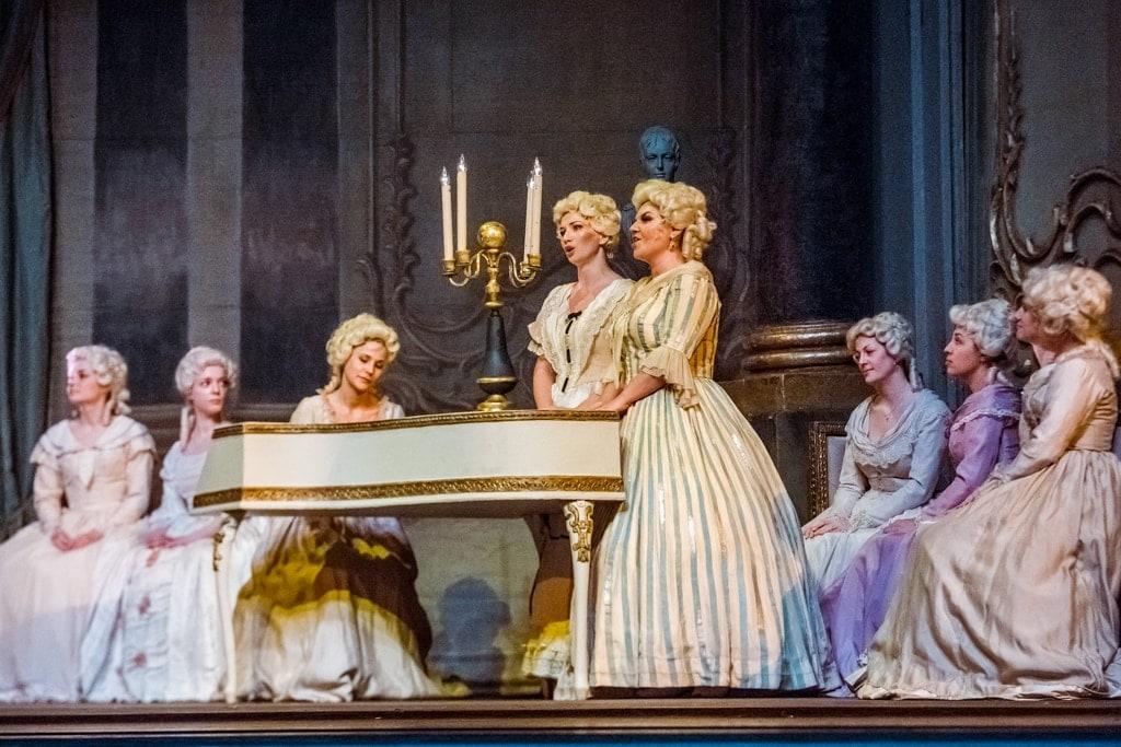 """Опера """"Пиковая дама"""" в Приморском театре оперы и балета. Фото: Мария Бородина, РИА PrimaMedia"""