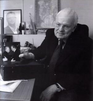 Роберт Евгеньевич Бушков