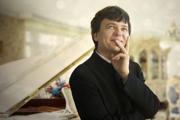 Александр Яковлев. Фото - yakovlev-piano.com