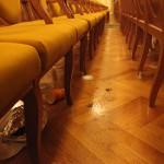 От некоторых посетителей консерватории теперь остаются следы приема не только духовной пищи