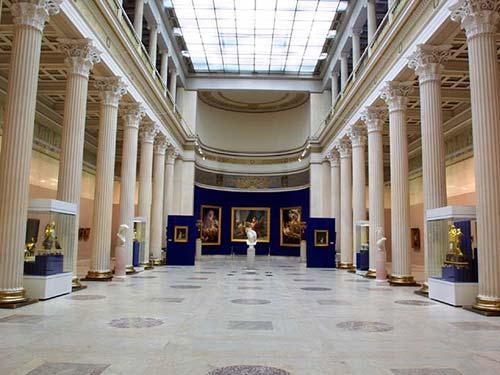 Белый Зал Музея изобразительных искусств имени Пушкина