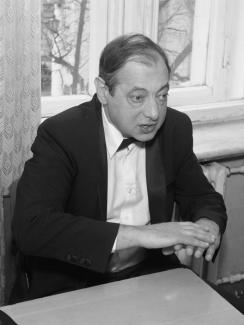Дмитрий Миллер во время урока