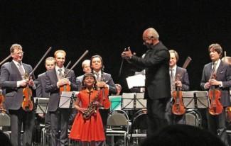 Юный музыкант Софья Тюрина вместе с Владимиром Спиваковым и «Виртуозами Москвы» на сцене Саратовского театра драмы