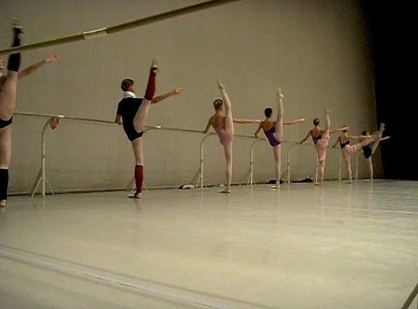 Учащиеся Академии хореографии готовят подарок к юбилею Геннадия Рождественского