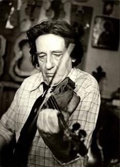 Денис Яровой в мастерской, 1989 год. Фото из личного архива Владимира Калашникова