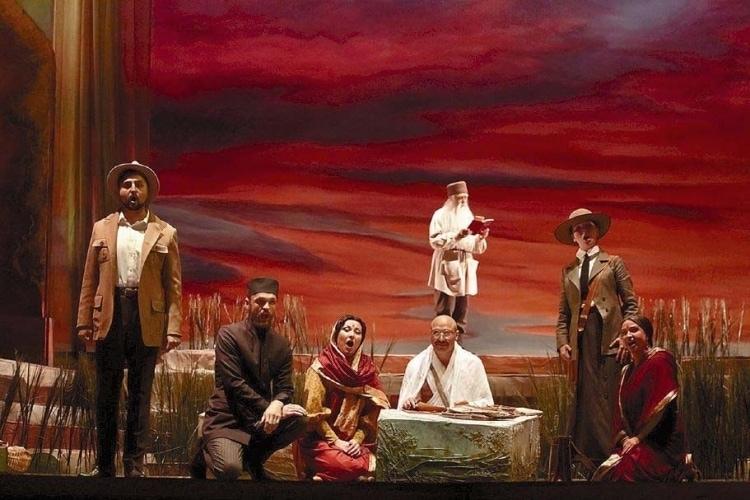 На Новой сцене Большого театра показали «Сатьяграху». Фото: Полина Стадник