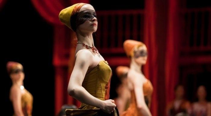 """Сцена из балета """"Ромео и Джульетта"""" в постановке Вячеслава Самодурова"""