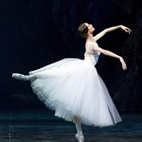 Прима-балерина Светлана Захарова провела благотворительный фестиваль детского танца