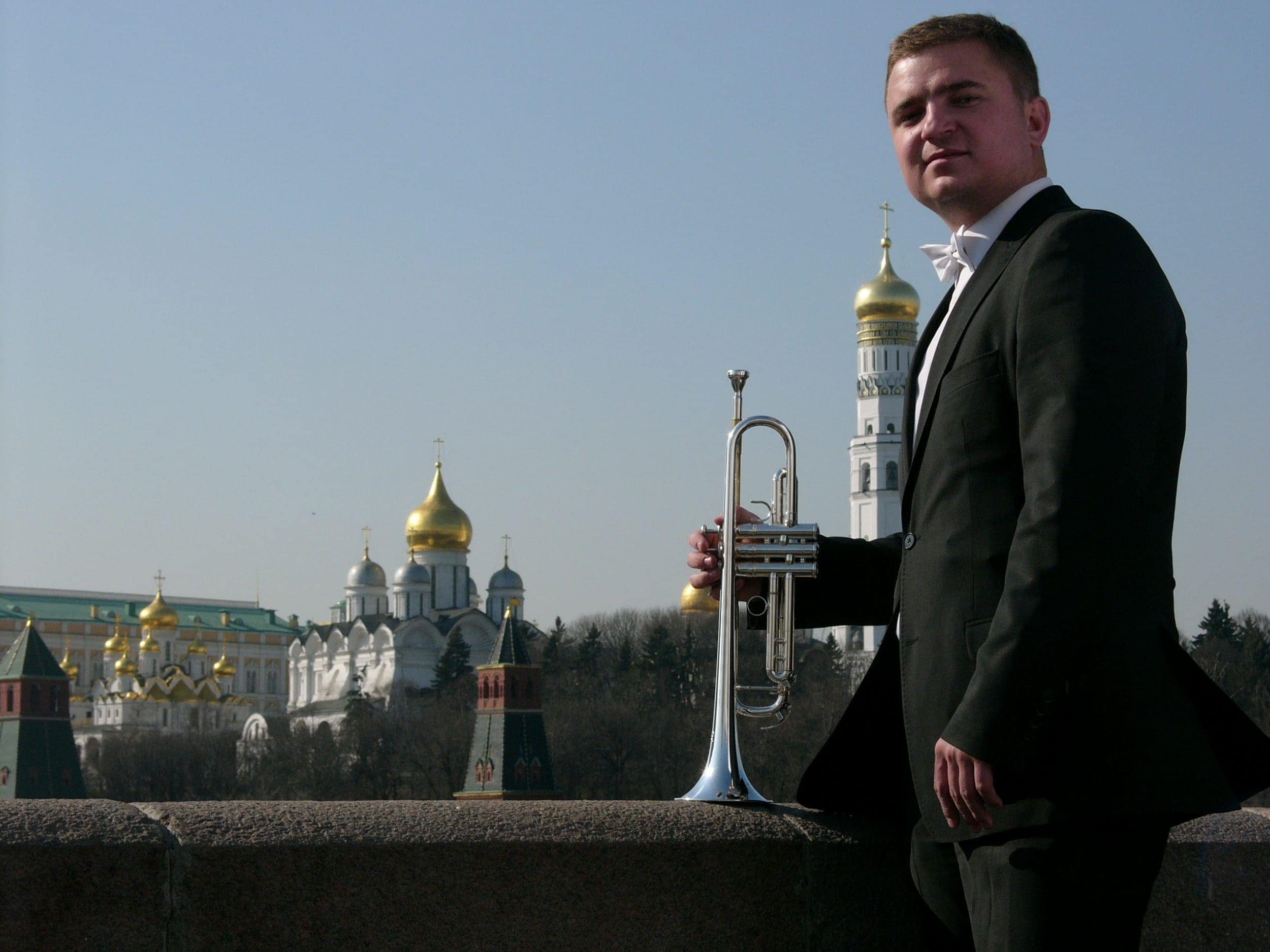 http://www.classicalmusicnews.ru/wp-content/uploads/2016/03/vladislav-lavrik.jpg