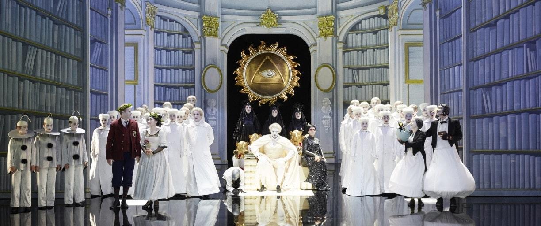 """Опера Моцарта """"Волшебная флейта"""" впервые поставлена на сцене Михайловского театра"""