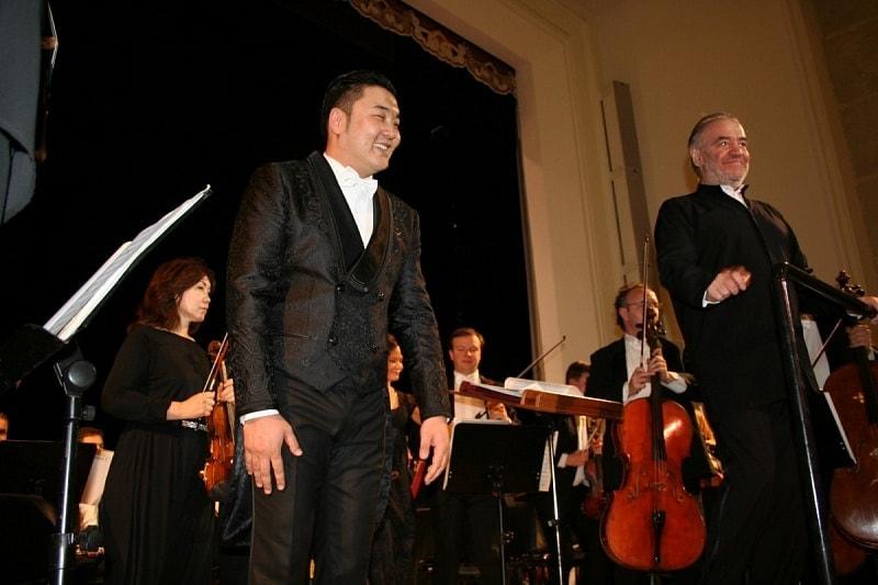 Ариунбаатар Ганбаатар и Валерий Гергиев на концерте в Улан-Удэ. Фото: Нордоп Дашиев