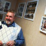 Сергей Годунов представил коллекцию открыток и значков с изображением Большого театра