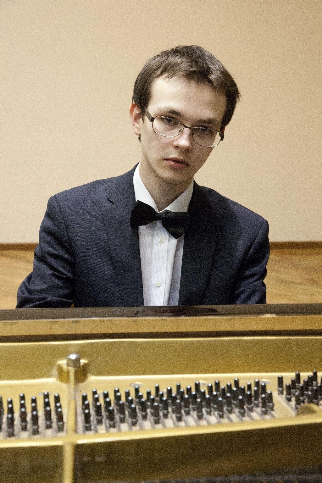 Арсений Мерзлов