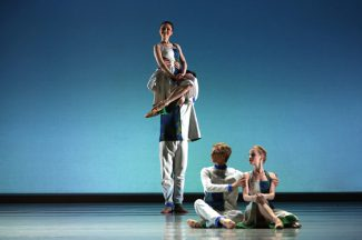 Сцена из балета «Русская увертюра». Фото - Мариинский театр