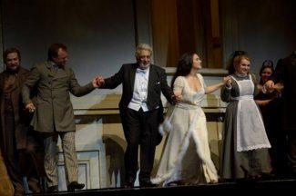 Пласидо Доминго на поклонах в Мариинском театре. Фото - facebook.com/mariinsky.theatre