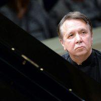 Плетнев, Моцарт, Бах… Мир классической музыки уже строит планы на осень