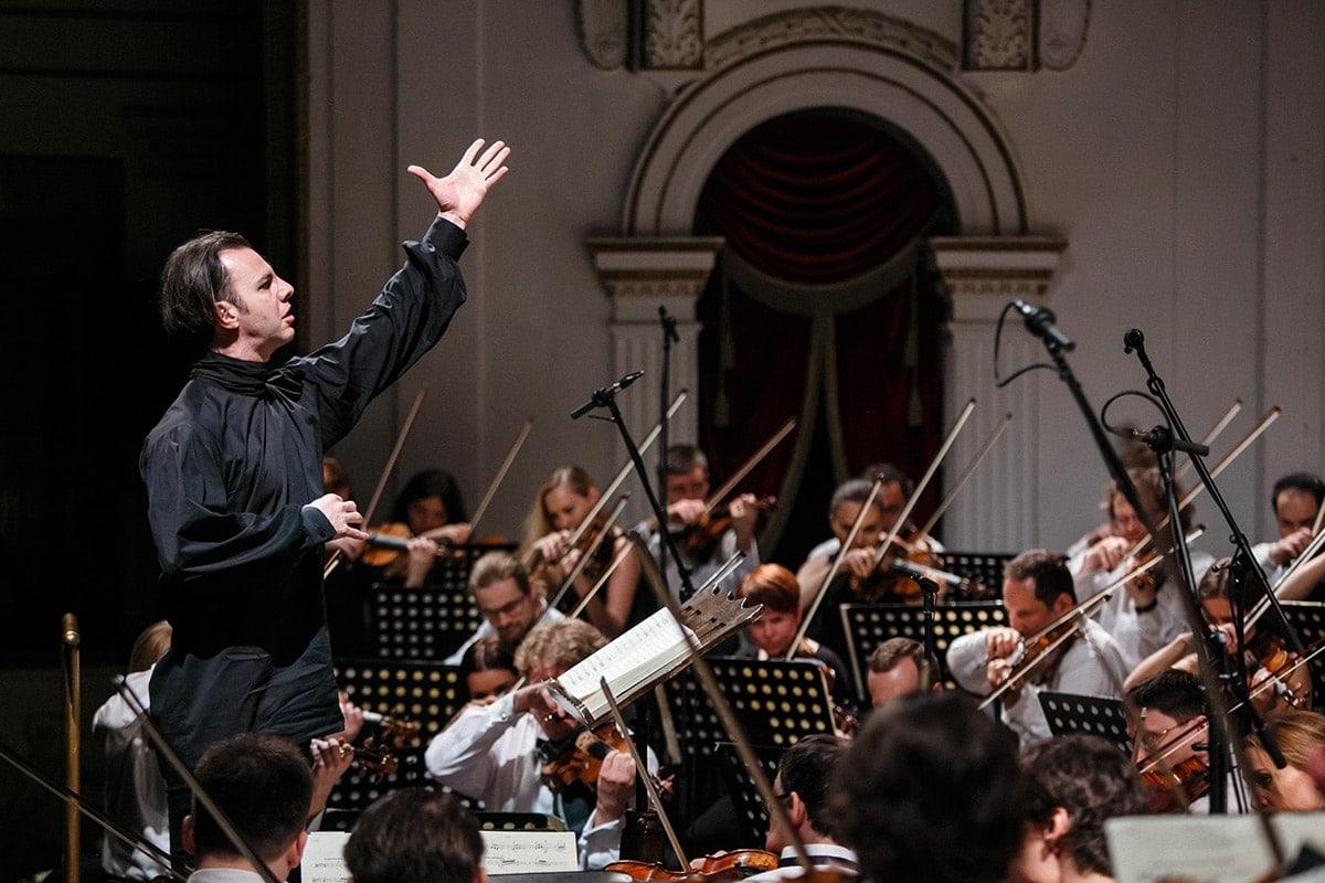 Теодор Курентзис и его фестивальный оркестр. Фото - Эдвард Тихонов