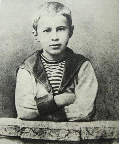 Он из тех, чей характер ярко проявлялся еще в детстве. Как его зовут?