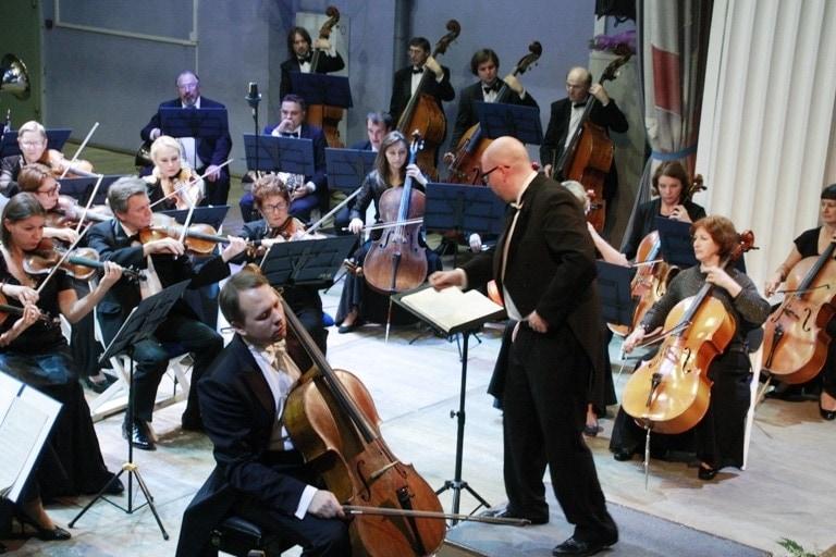 Симфонический оркестр Алтайской филармонии и Алексей Жилин