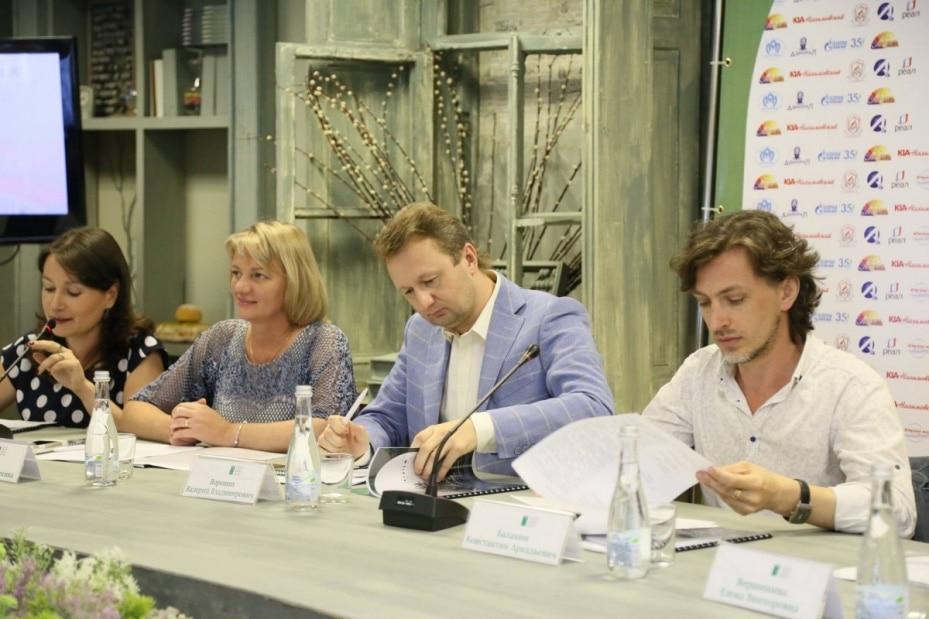 В Астрахани состоялся круглый стол, посвящённый теме «Open air – искусство или шоу-бизнес. Арена де Верона – Астраханский кремль»