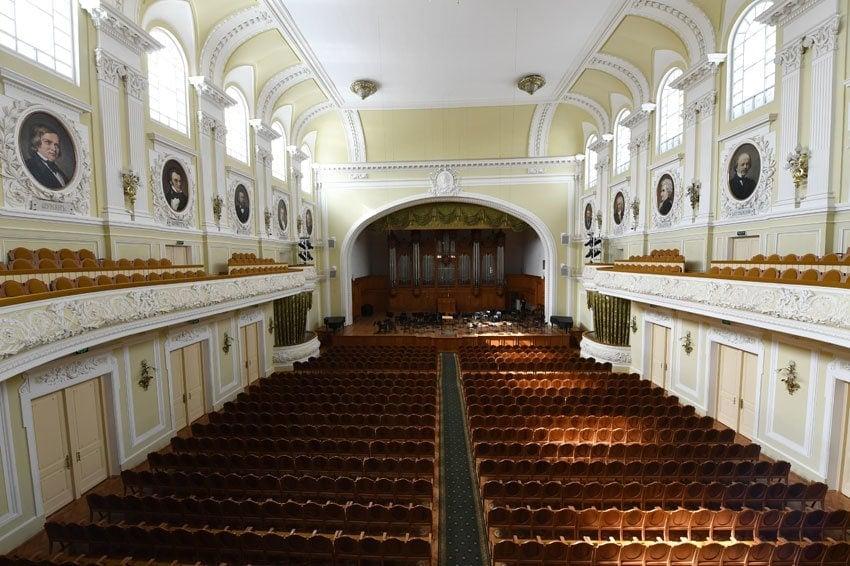 Большой зал Московской государственной консерватории имени П. И. Чайковского. Фото: РИА Новости/Сергей Пятаков
