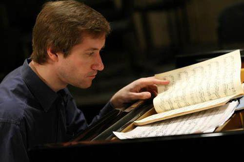 луганский пианист биография