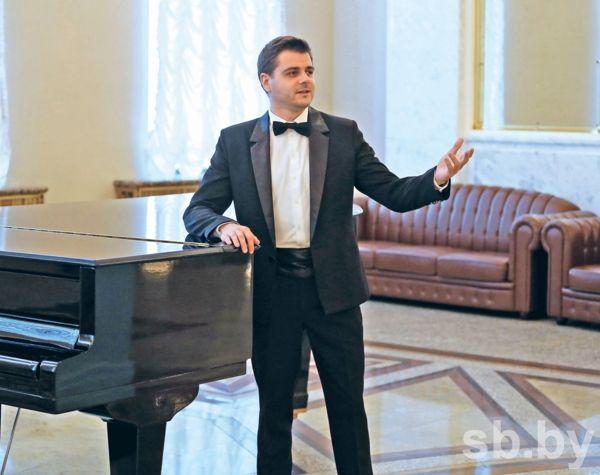 Виктор Менделев