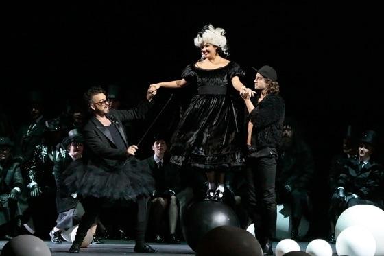 """Анна Нетребко в опере """"Манон Леско"""". Фото - Дамир Юсупов"""