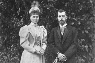 К моменту знакомства с Кшесинской Николай уже намеревался жениться на Алисе Гессен-Дармштадтской