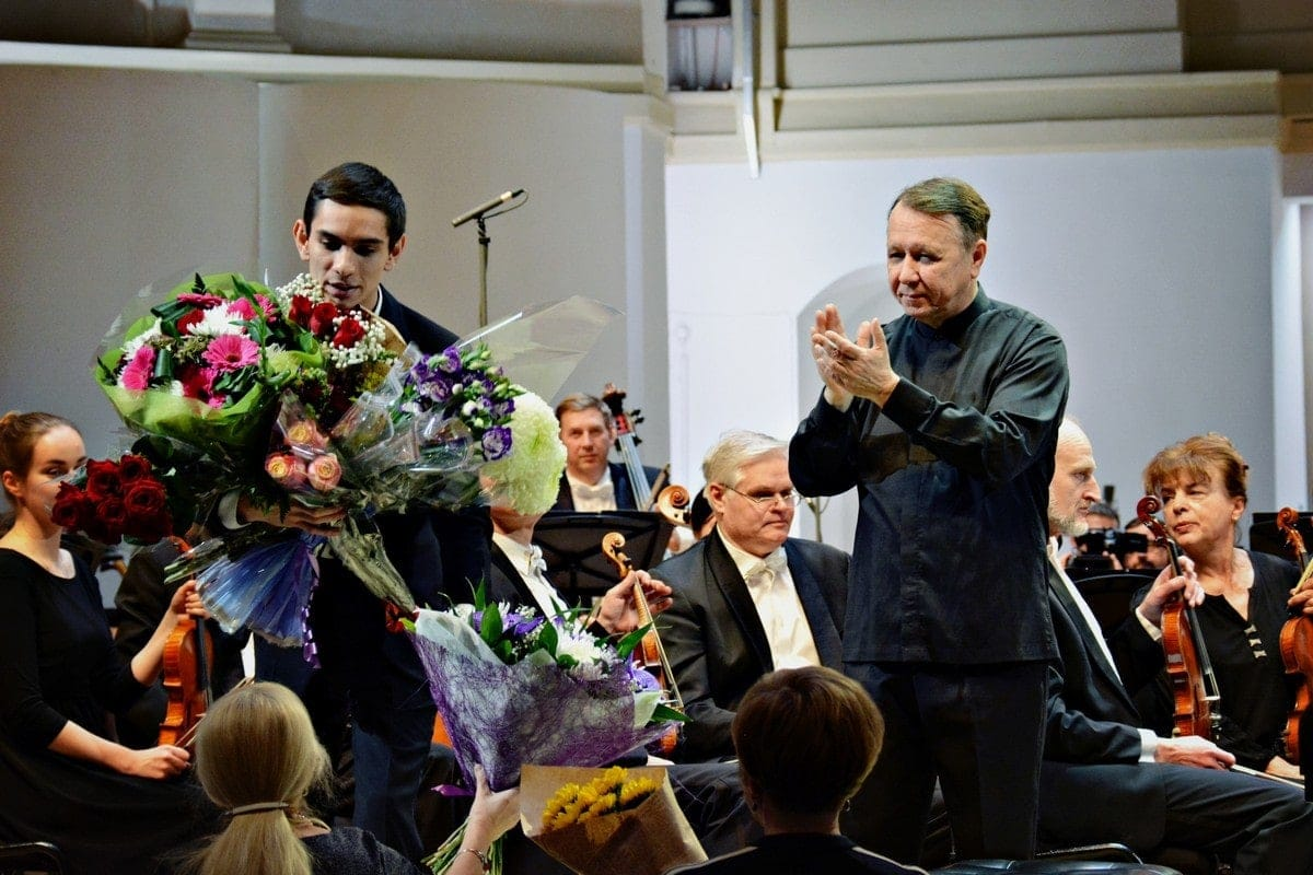 Дмитрий Шишкин и Михаил Плетнев на поклонах. Фото - Ирина Шымчак