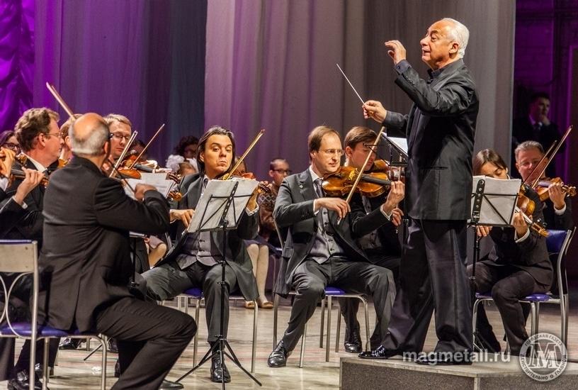 """Владимир Спиваков даст концерт """"Час Баха. Человек, возлюби мир!"""""""