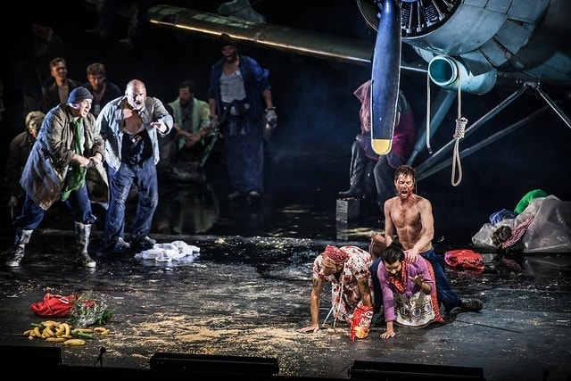"Опера ""Из мертвого дома"" в постановке Каликсто Биейто"