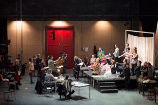 Театр в театре – все еще беспроигрышный прием. Фото - Monika Rittershaus