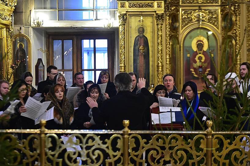 В Москве прошло отпевание Валерия Халилова. Фото - Пётр Кассин