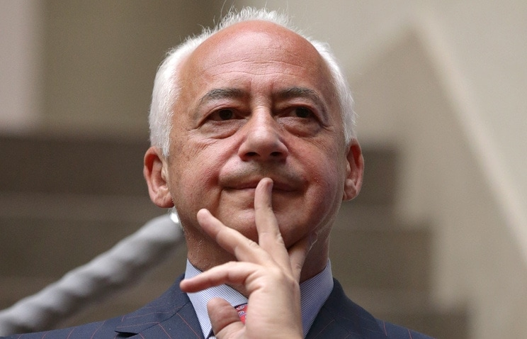 Спиваков отказался от врученного Лукашенко ордена