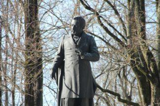 Памятник М. И. Глинке в Смоленске. Фото - Григорий Калачьян