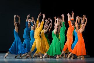 Внешне хореография Мильпье напоминает неоклассику. Фото - Yan Revazov